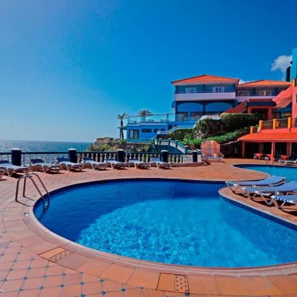 Zwembad van Hotel Royal Orchid in Caniço de Baixo, Madeira
