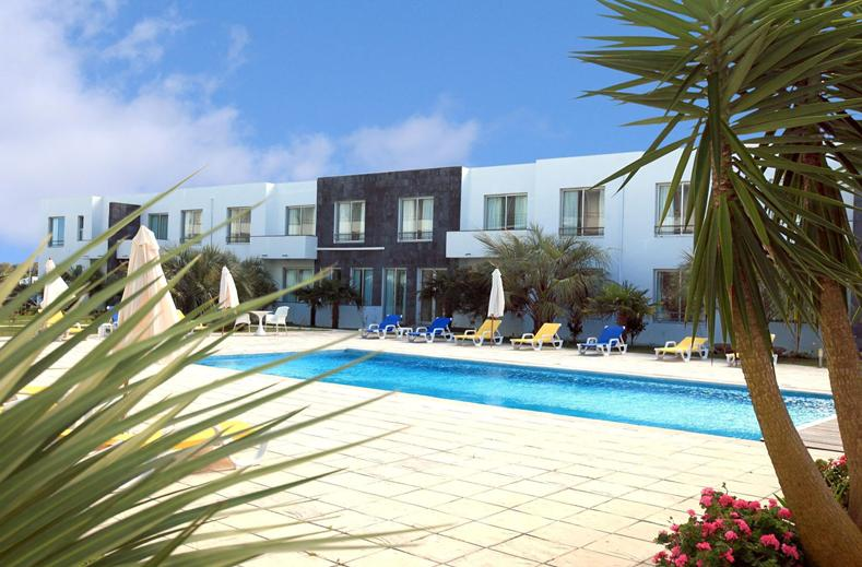 Zwembad van Hotel Vale do Navio in Capelas, Azoren