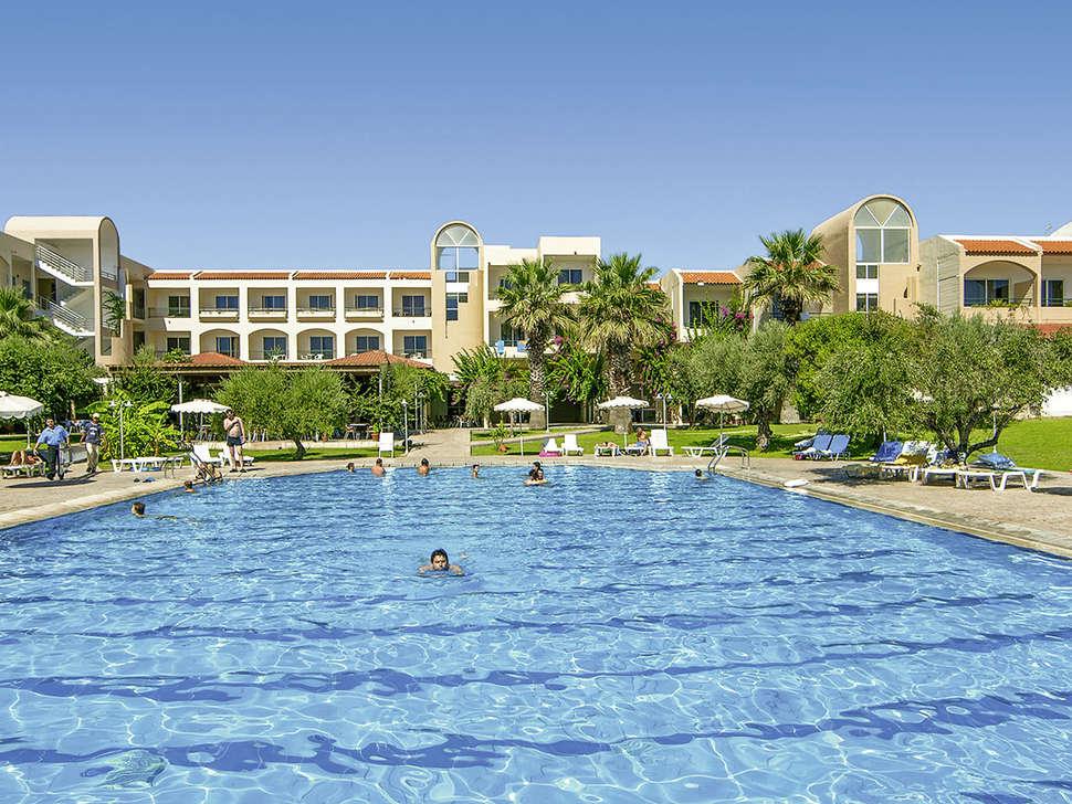 Zwembad van Marianne Palace in Kolymbia, Rhodos