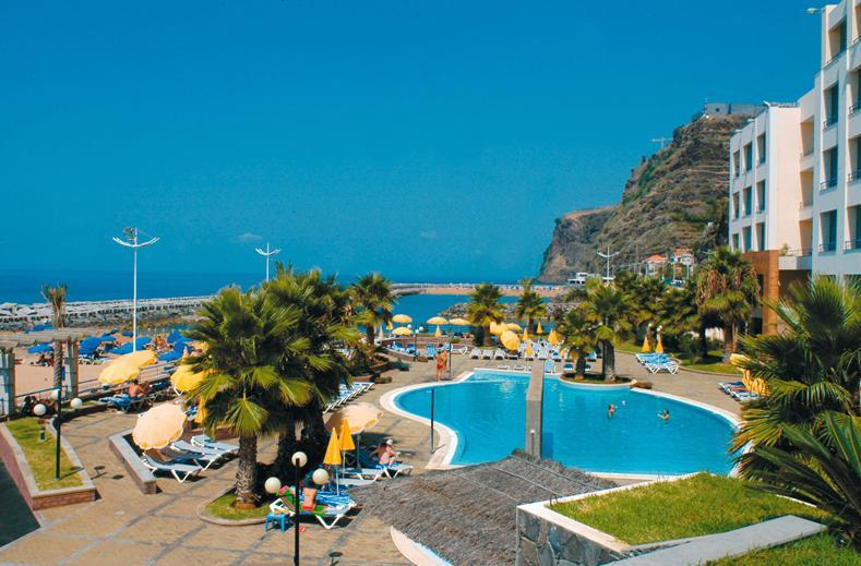 Zwembad van Savoy Calheta Beach in Calheta, Madeira