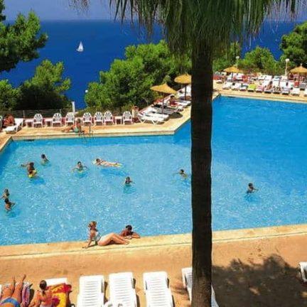 Zwembad van Sun Club El Dorado in El Dorado, Mallorca