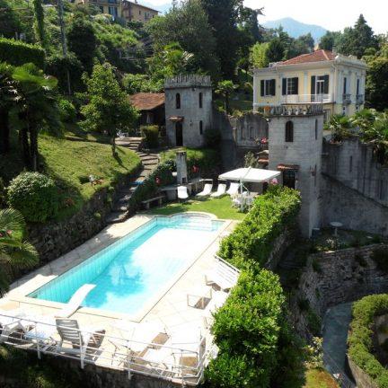 Zwembad van Villa Baveno aan het Lago Maggiore, Italië