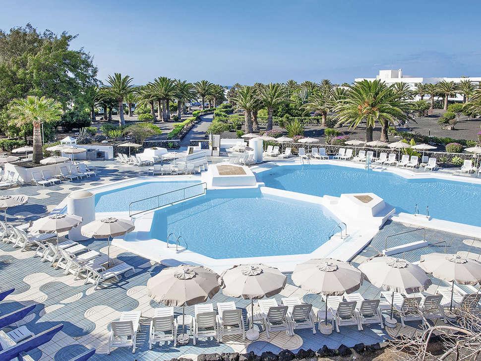 Zwembaden van Hotel Ole Olivina Lanzarote in Puerto del Carmen, Lanzarote