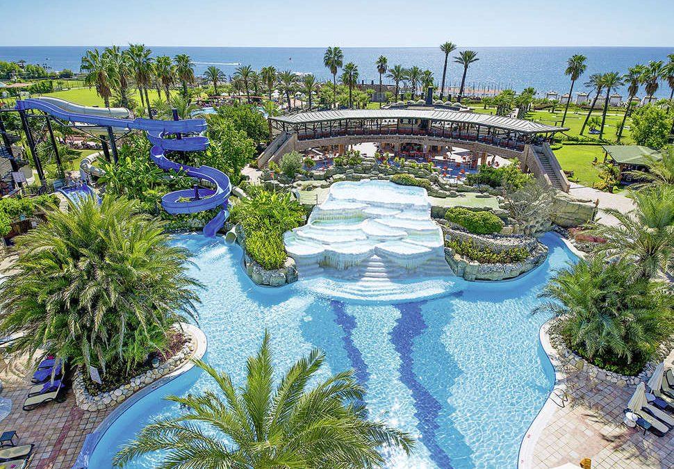 Zwembaden van Limak Arcadia Golf & Sport Resort in Belek, Turkije
