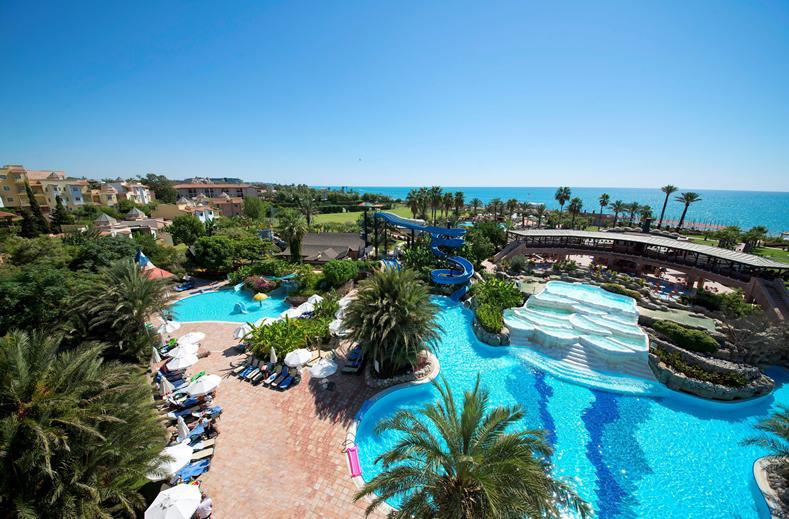 Zwembaden van Limak Arcadia Resort in Belek, Turkije