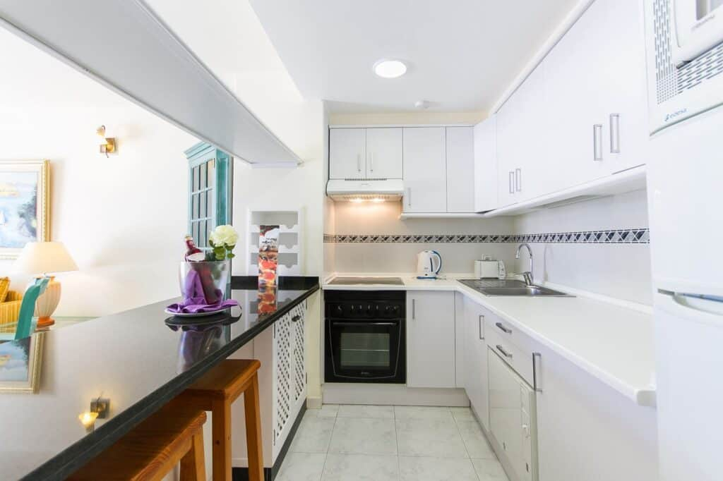 Keuken in appartement van Sands Beach Resort