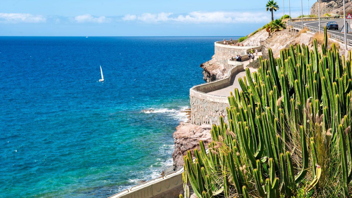 kustlijn van puerto rico naar amadores beach gran canaria