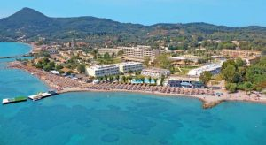 Ligging van Messonghi Beach Hotel in Moraitika, Corfu