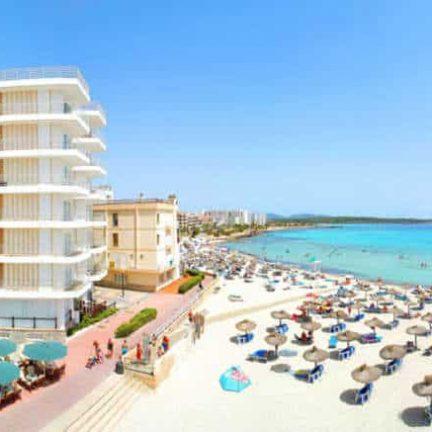 Ligging van Universal Hotel Perla in Sa Coma, Mallorca