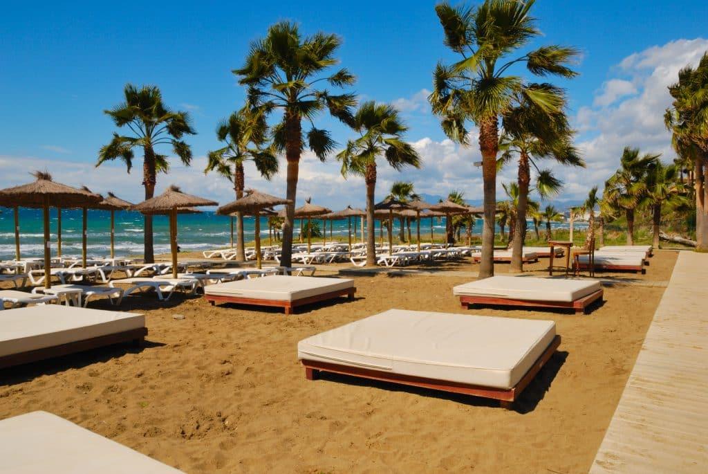 Strand in Marbella, Costa del Sol, Spanje