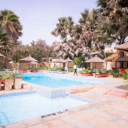 Zwembad van Calabash appartementen in Kotu, Gambia