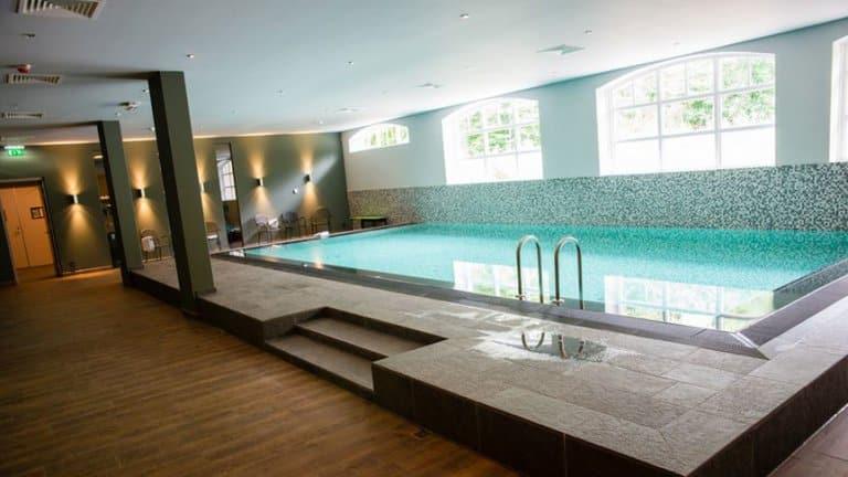 Zwembad van Grand Hotel Ter Duin in Burgh-Haamstede, Zeeland