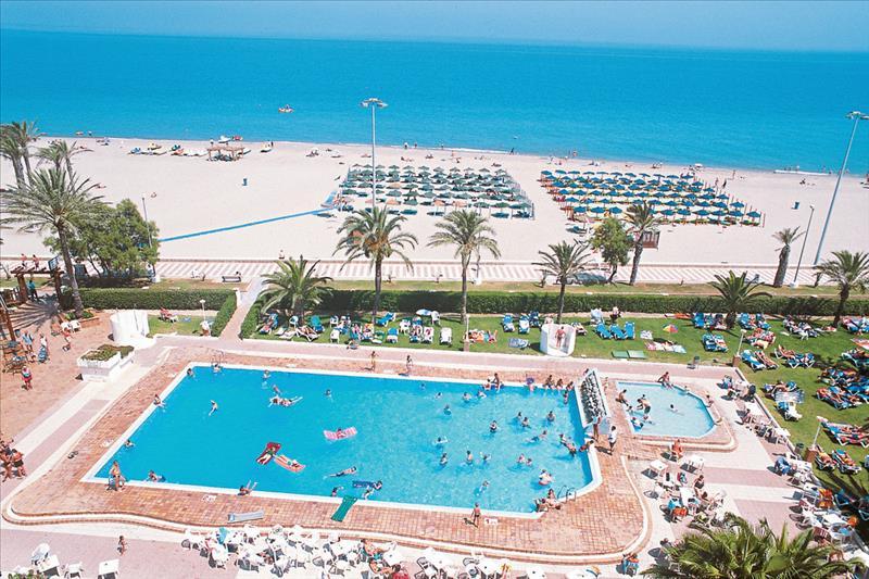 Zwembad en strand van Hotel Best Sabinal in Roquetas de Mar,