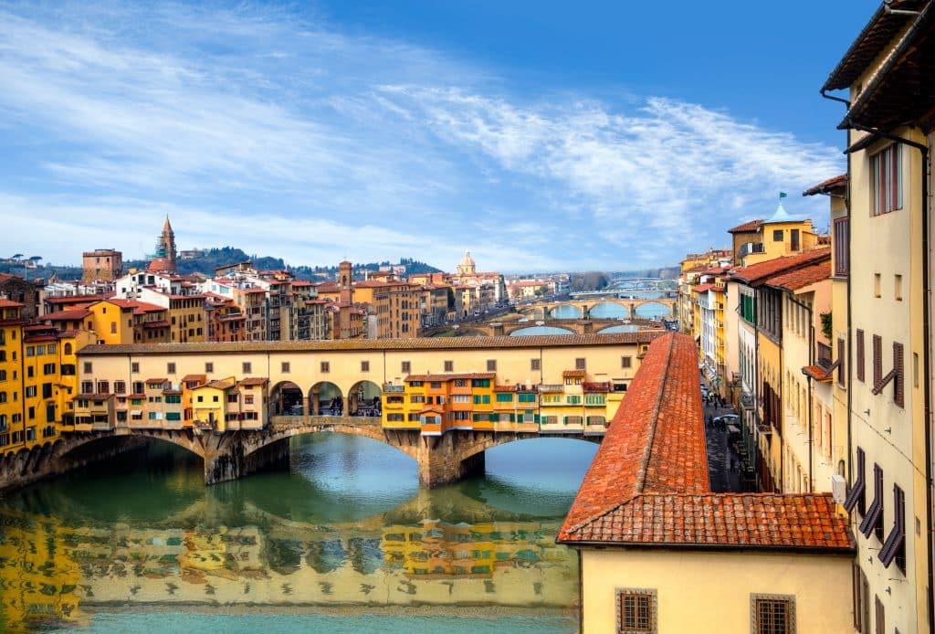 Ponte Vecchio over de Arno river in Florence, Italië