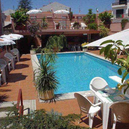 Zwembad Hotel Meira in Vila Praia de Ancora, Portugal