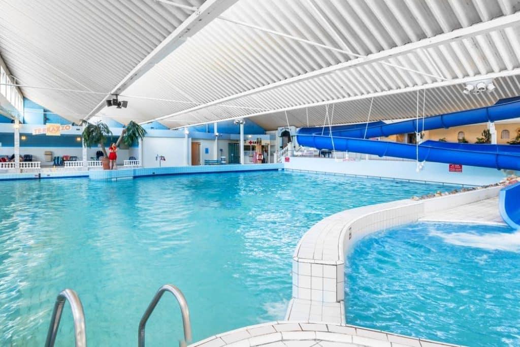 Zwembad van Roompot Beach Resort Zeeland in Kamperland, Zeeland