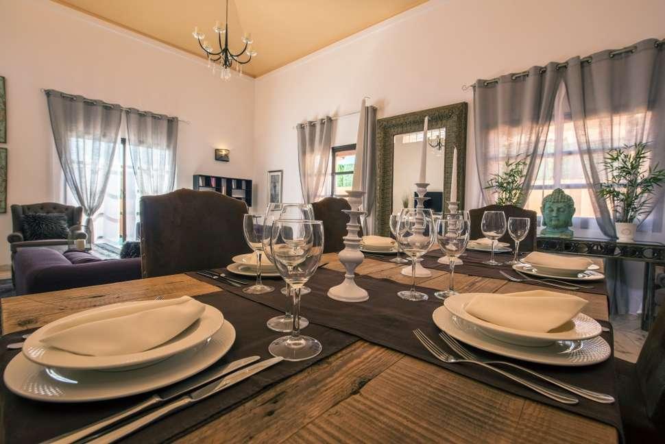 Eettafel van de villa van Villas Mirador de Lobos