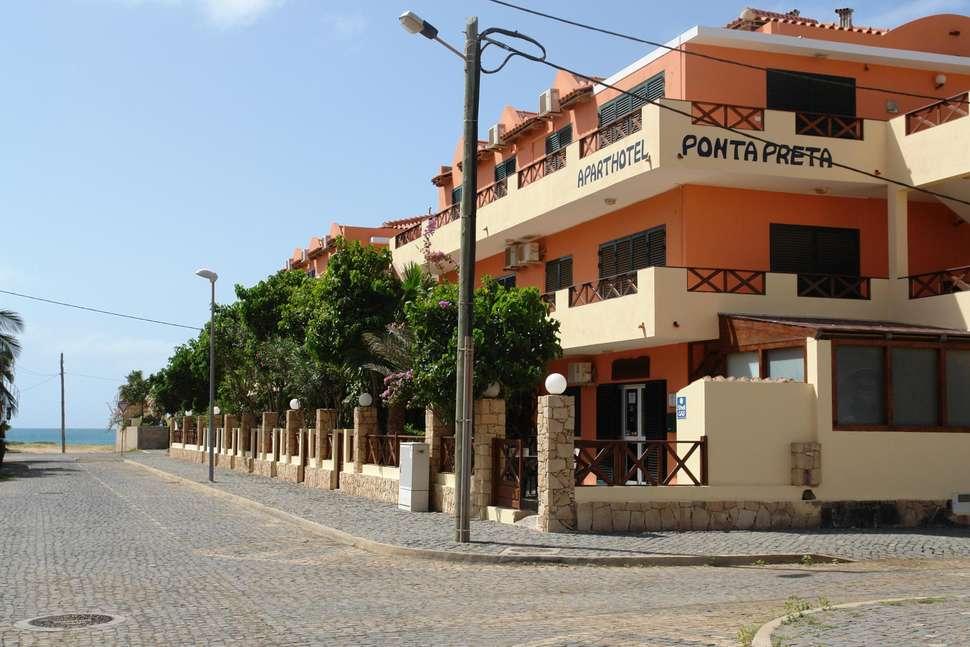 Aanzicht Ponta Preta in Santa Maria, Kaapverdië