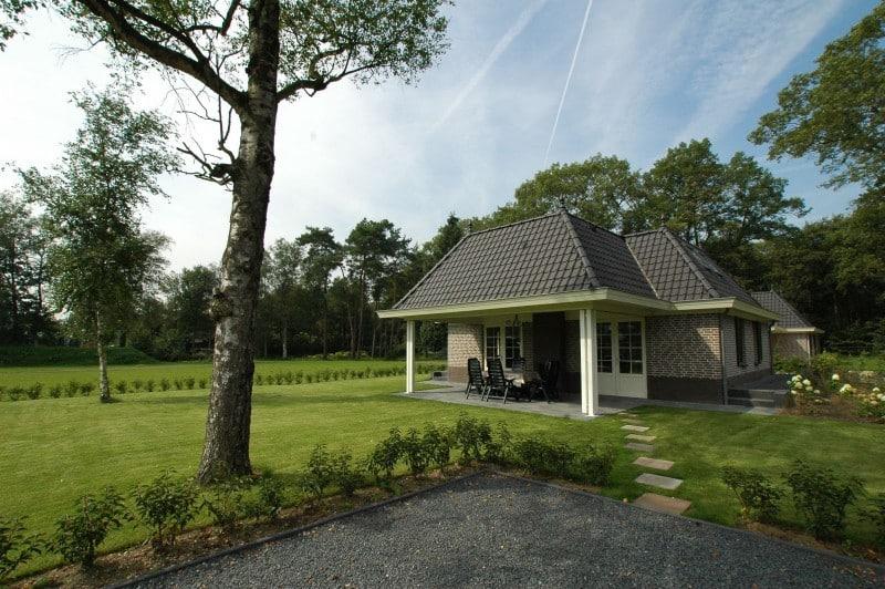 Villa de IJsvogel van Vakantiepark Landgoed de IJsvogel in Voorthuizen, Gelderland