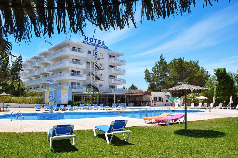 Aparthotel Monterrey in Sant Antoni de Portmany, Ibiza