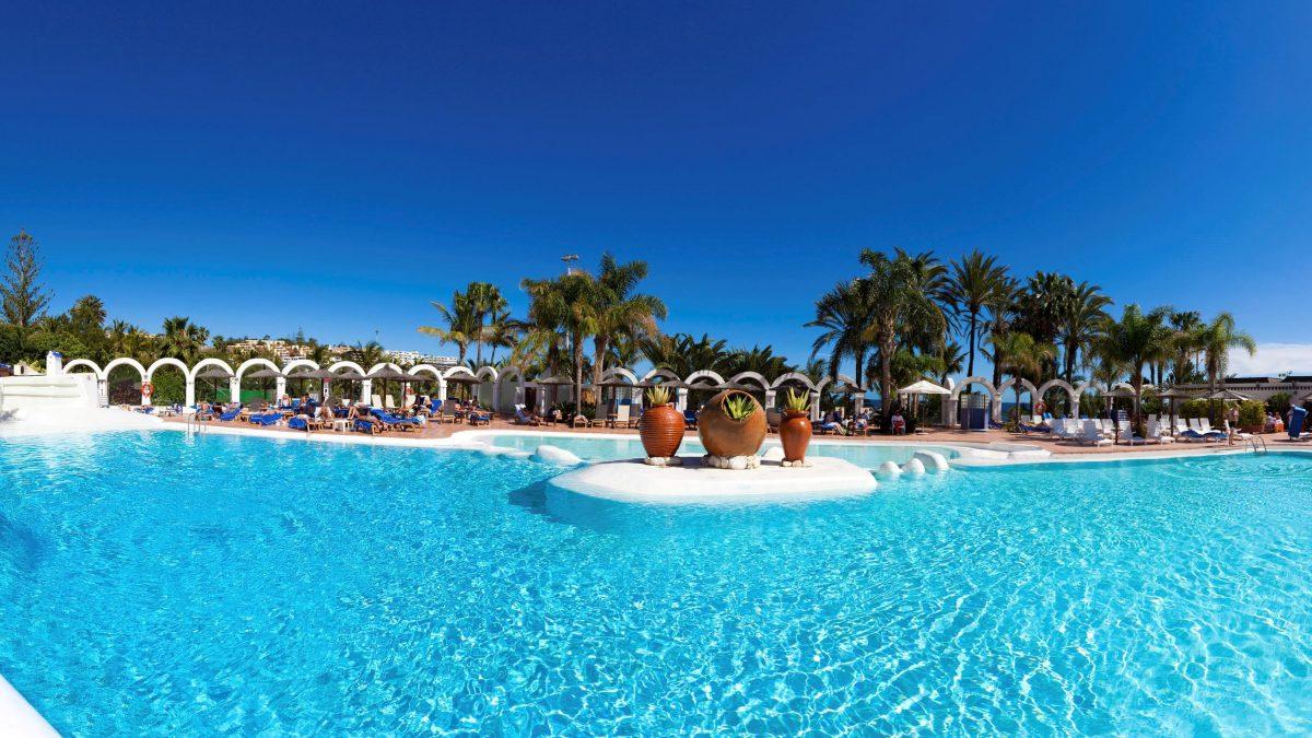 Zwembad van Hotel Melia Tamarindos in San Agustin, Gran Canaria