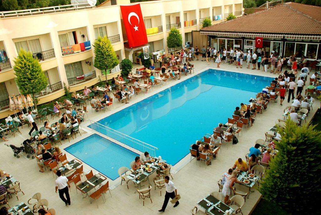 Zwembaden van Hotel Sayanora in Side, Turkije