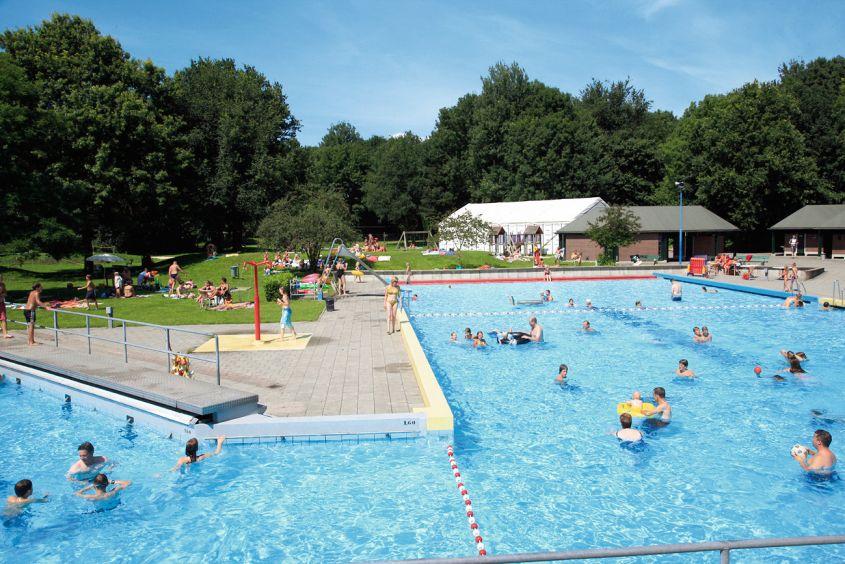 Zwembad van Vakantiepark Hunzepark in Gasselternijveen