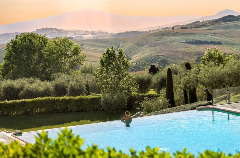 Infinity Pool in Fonteverde Tuscan Resort en Spa in San Casciano Dei Bagni, Italië