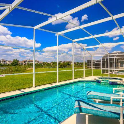 Privézwembad bij een villa in Florida, Verenigde Staten
