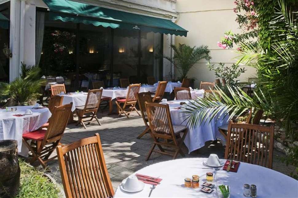 Ontbijt in Hotel Brice in Nice, Frankrijk