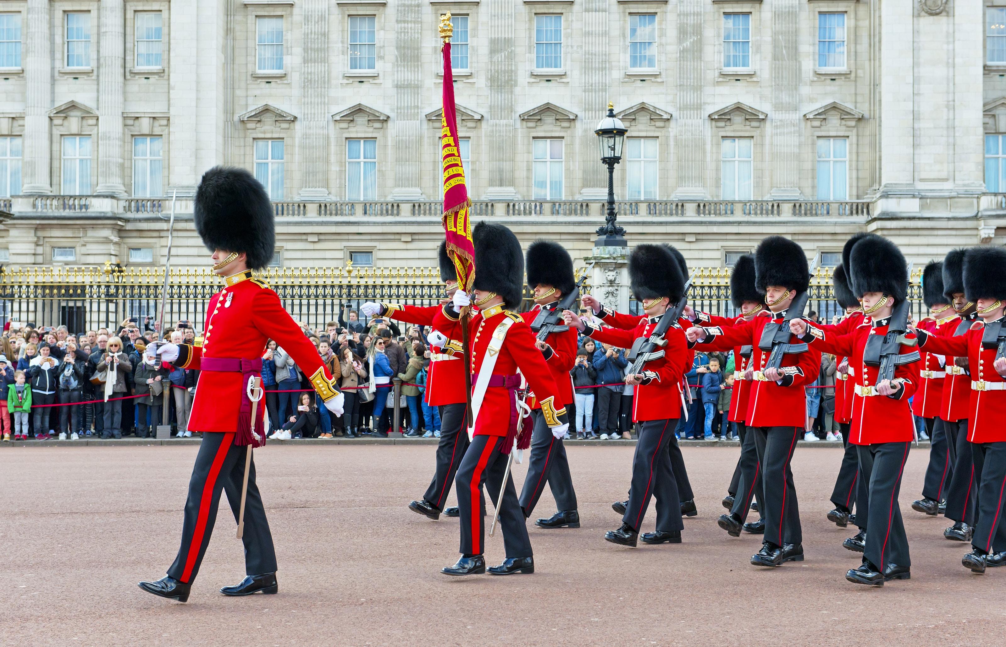 Wisseling van de wacht bij Buckingham Palace in Londen, Verenigd Koninkrijk