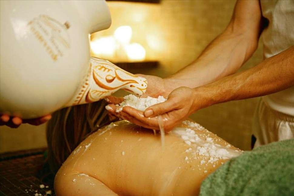 Massage in Fonteverde Tuscan Resort en Spa in San Casciano Dei Bagni, Italië
