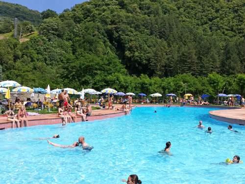 Zwembad van Hotel Marrani in Ronta, Italië