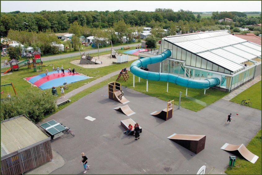 Zwembad van vakantiepark Callassande in Callantsoog, Noord-Holland