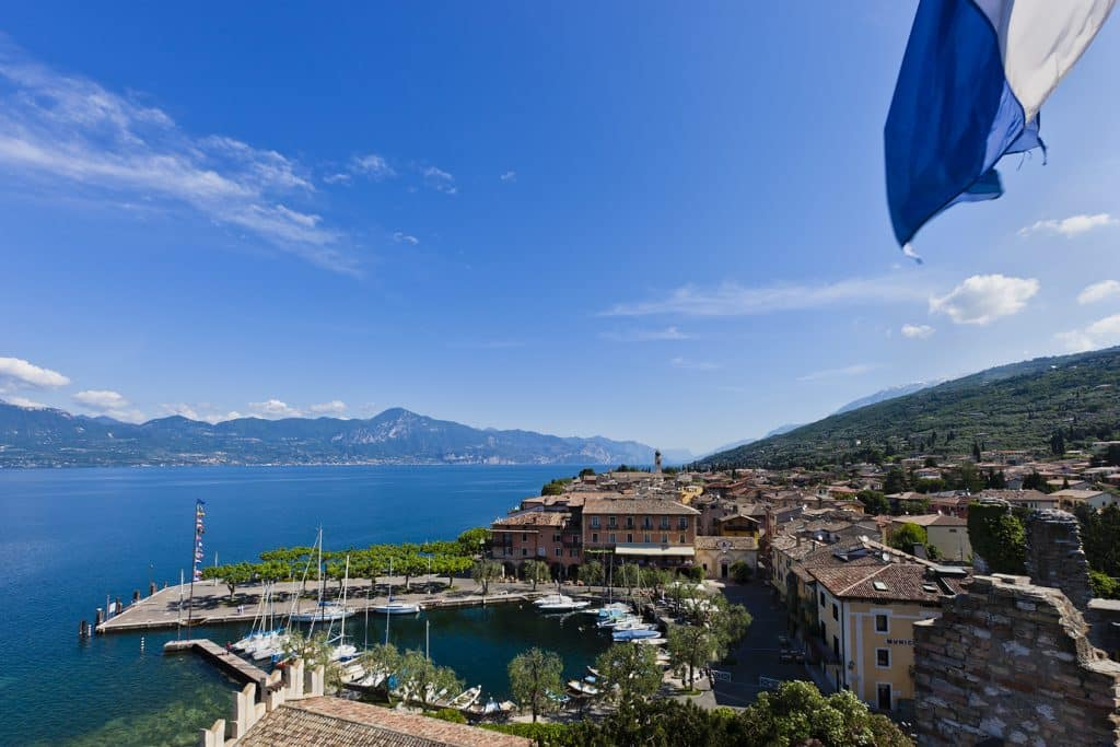 Torri del Benaco aan het Gardameer in Italie