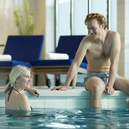 Binnenzwembad van WestCord Hotel Noordsee