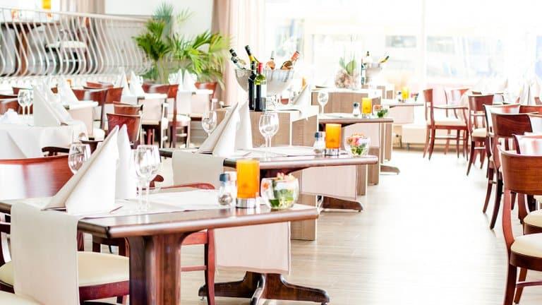 Restaurant van Golden Tulip Noordwijk Beach in Noordwijk, Zuid-Holland