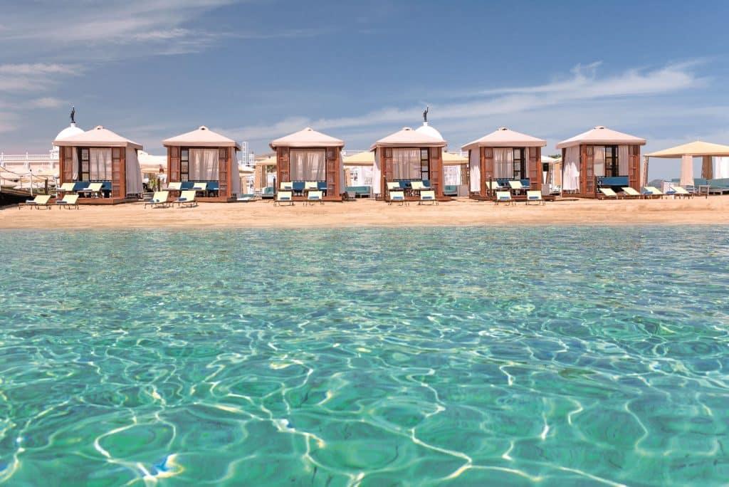 Strand van Kaya Artemis Resort in Bafra, Noord-Cyprus