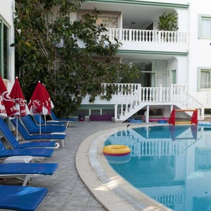 Zwembad Karakas Appartementen in Marmaris, Turkije