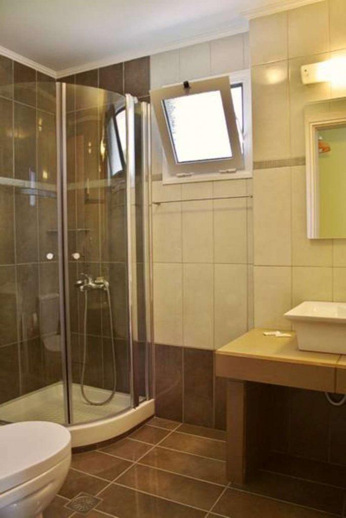 Badkamer van Villa Vicky in Petra, Lesbos