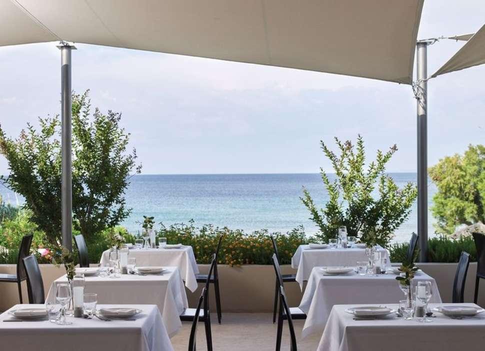 Dineren met uitzicht over zee in  Atlantica Eleon Grand Resort en Spa in Tsilivi, Zakynthos
