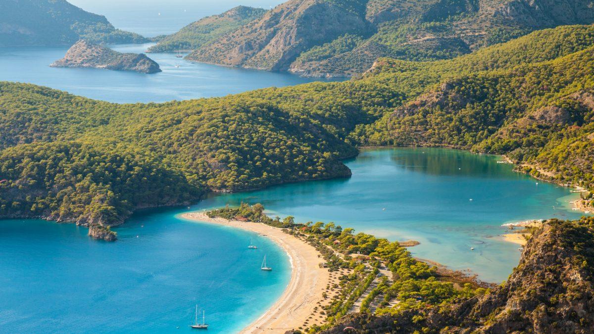 Strand van Oludeniz in Turkije