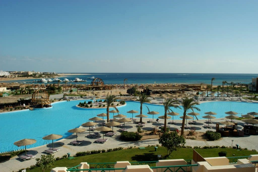 Strand van Tia Heights in Makadi Bay, Egypte