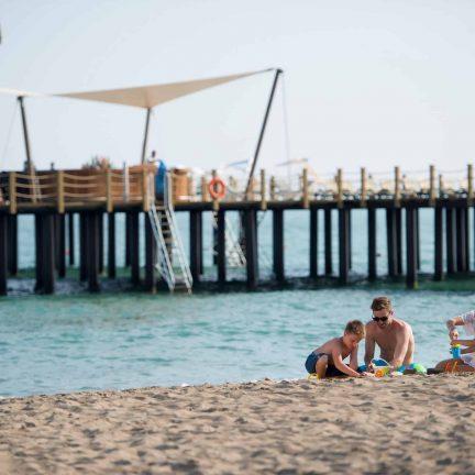 Strand bij Xanadu Resort in Belek, Turkije