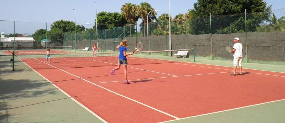 Tennisbaan van Canary Garden Cub in Maspalomas op Gran Canaria, Spanje