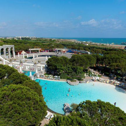 Zwembad van Xanadu Resort in Belek, Turkije