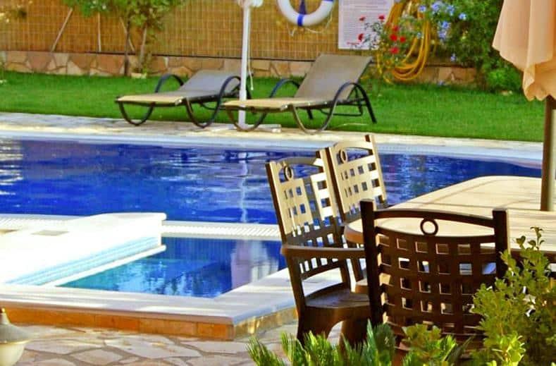 Zwembad van Hotel Konstantinos in Nidri, Lefkas