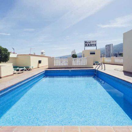 Zwembad van Hotel Marte in Puerto de la Cruz op Tenerife, Canarische Eilanden
