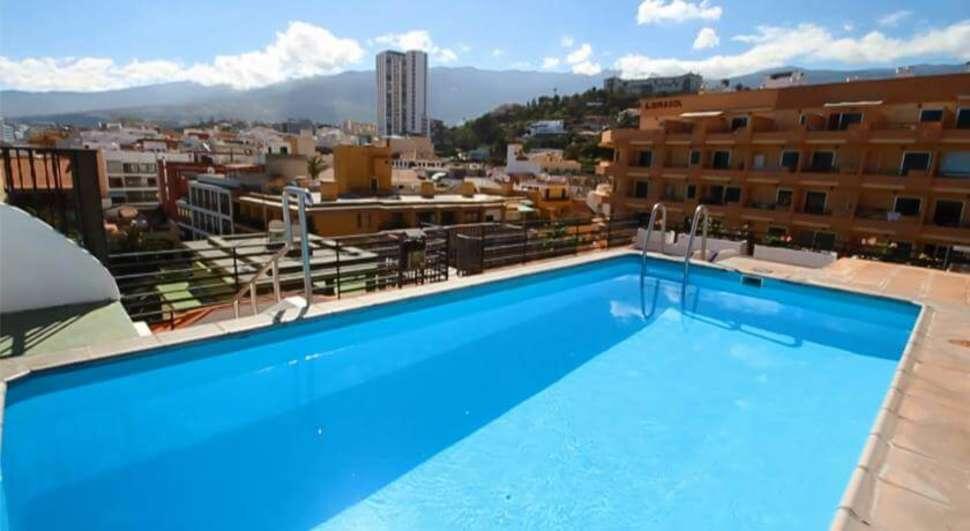 Zwembad van hotel tropical en appartementen park plaza op Tenerife