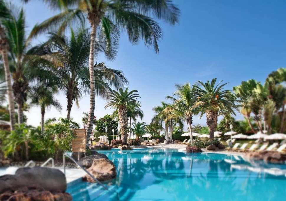 Zwembad Roca Nivaria Grand Hotel in Playa Paraiso, Tenerife